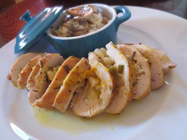 Aprenda a fazer Peito de Frango Recheado com Maçã de maneira fácil e económica. As melhores receitas estão aqui, entre e aprenda a cozinhar como um verdadeiro chef.