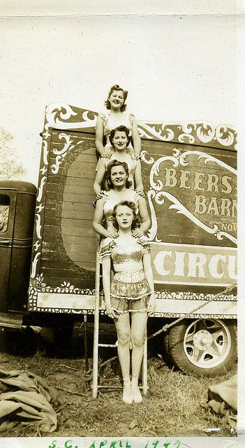 I adore this photo and the story behind it. Have a look at the original caption on Flickr for details! #1940s #circus