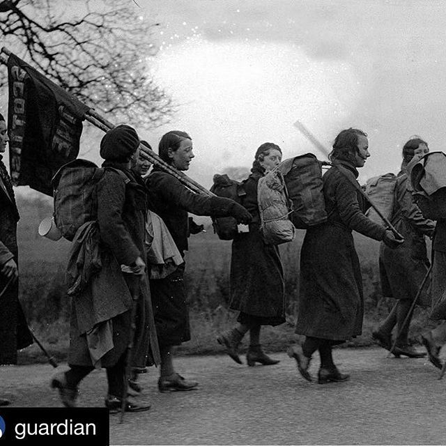 #Repost @guardian 'Hunger marchers' in England in 1934, en route to a mass protest in London's Hyde Park against the era's high rates of unemployment. Starting today and over the coming weeks the Guardian will look back at the 1930s, an era bookended by the 1929 Wall Street Crash and the outbreak of the second world war, to examine what lessons can be learnt from the decade.    Photo: Popperfoto/Getty Images