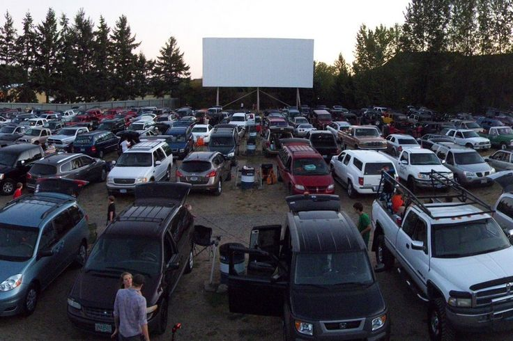 NEWBERG, Oregon - - 99W Drive-In - Best Drive-In Movie Theater Nominee: 2016 10Best Readers' Choice Travel Awards