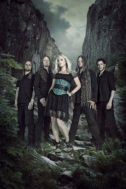 Liv Kristine – Leaves' Eyes « Femme Metal Webzine