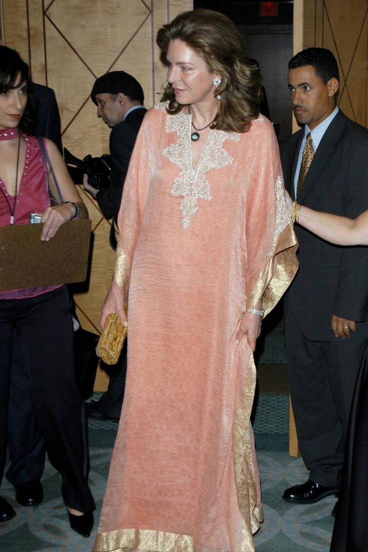 Glamorous Caftan Moments Throughout History - ELLE.com