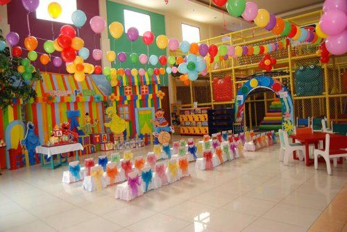 Circus decorations decoration circus party www for 9th class decoration