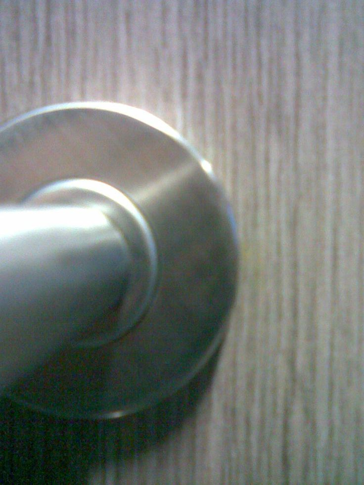 Opravený a zaretušovaný špatně navrtaný otvor, #oprava, #dveře, #zárubně, #obložky, #repair, #Instandsetzung, #Reparatur