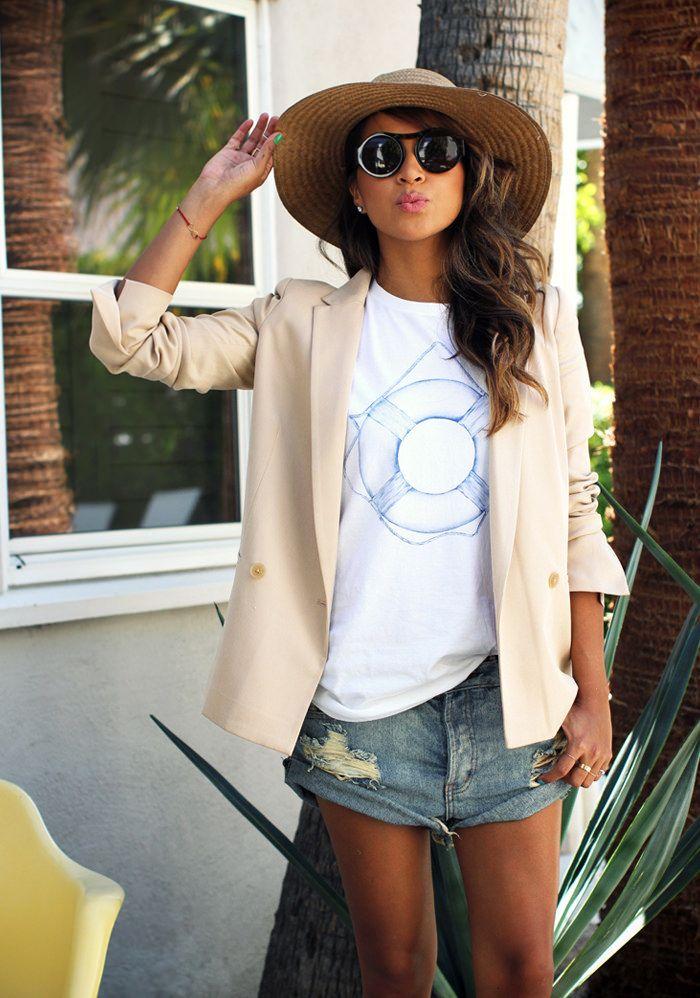 Ik schreef al eens over een t-shirt van Sincerely Jules. De blogger achter het Sincerely Jules blog, Julie, heeft inmiddels zelfs een hele kledinglijn en daarmee een goed gevulde shop. Ik werd zo vrolijk van haar ...» Lees meer