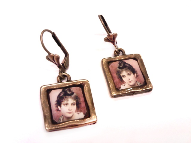 Pendientes Vintage en bronce antiguo y resina