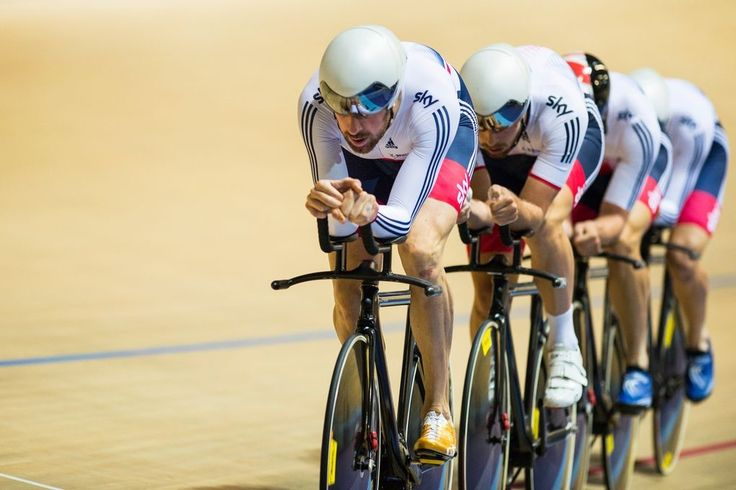 BradleyWiggins Ed Clancy, Steven Burke and Owain Doull to win the team pursuit (pic: Michael Poole)