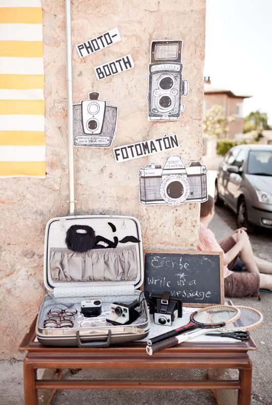 Atrezzo vintage para photocall {Foto, La Boda de Lola}