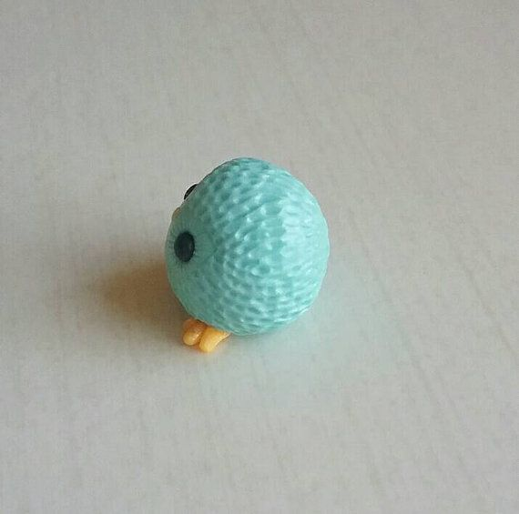 Escultura de pájaro de arcilla de polímero de miniatura