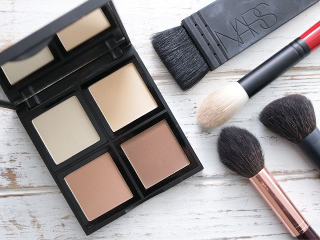 Review and swatches of the ELF Cosmetics powder contour palette.