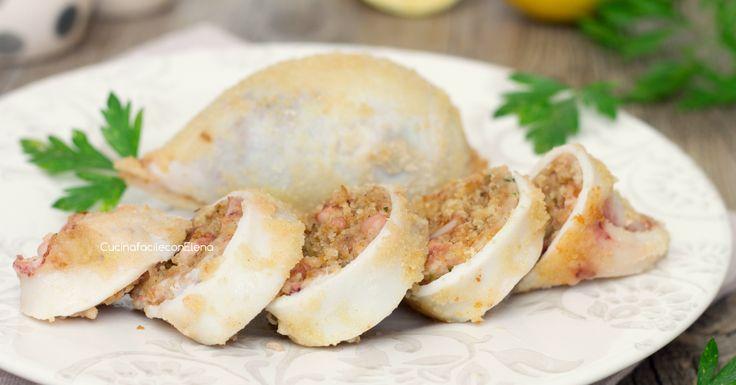 Troppo buoni i calamari ripieni al forno, soprattutto se preparati e così e se farciti con questi ingredienti, sono saporiti e morbidissimi!