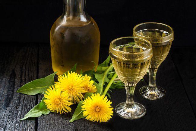 """Как приготовить """"Крепкое вино из одуванчиков"""", пошаговый рецепт приготовления с фото на Yummi.club"""