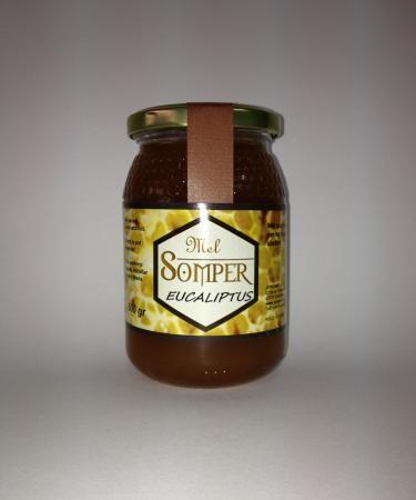 Miel de eucalipto de #Miel Somper. Estás resfriado, ¿No? No importa, es muy saludable en todo momento, y....sabrosa. ¡Paladéala!