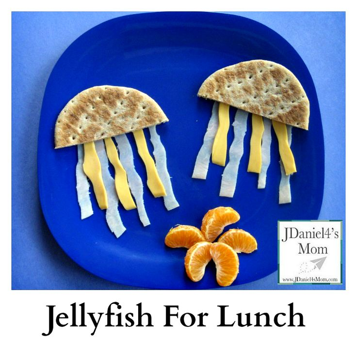 Jellyfish for Lunch - This is a fun lunch for kids who love the ocean. It is fun and filled with healthy foods!