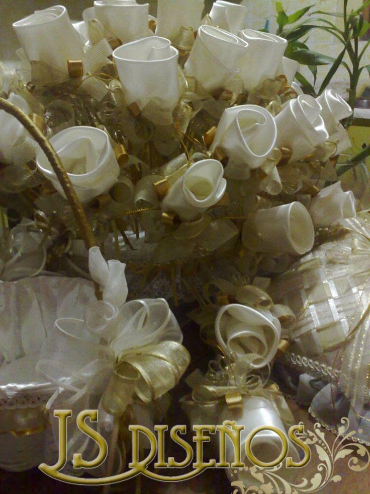 Rosas Arroceras y Cesta de Petalos para la Igleisa
