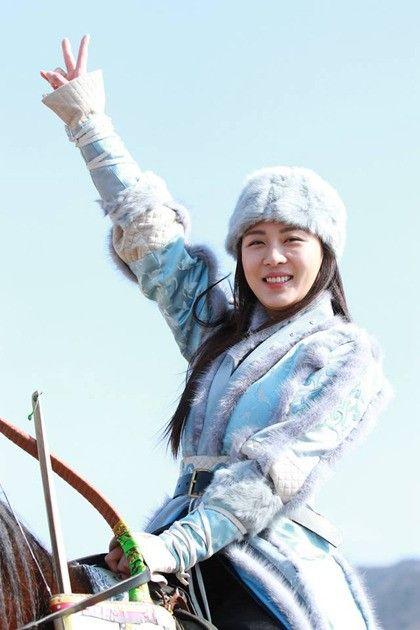 Ha Ji Won   Empress Ki ~ Soo pretty! one of my favorite Korean Actress. ♥