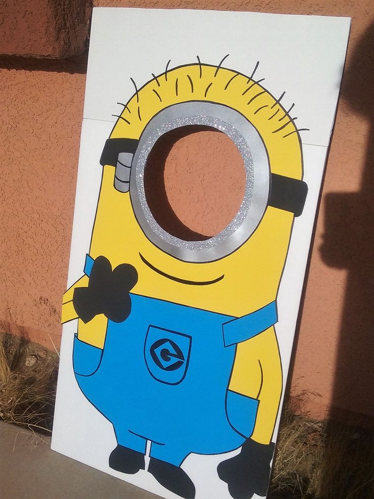 Large minion photo prop! sure to get priceless photos!