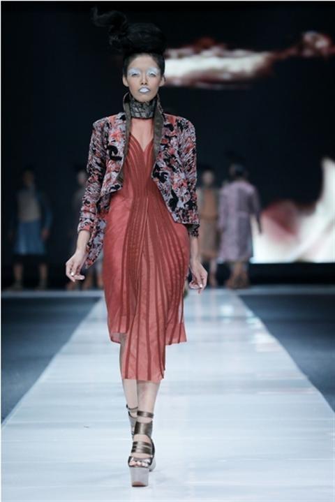 Jakarta Fashion Week 2012-2013..Designer Deden Siswanto. Fashion designer from Indonesia