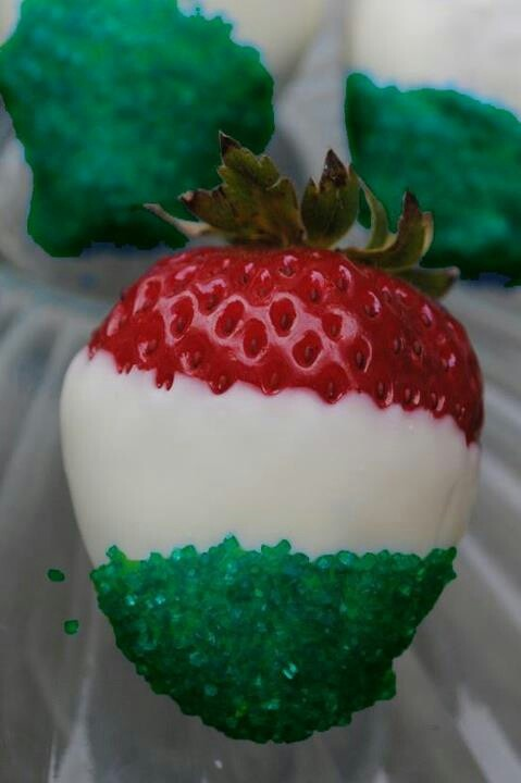 Christmas strawberries-dipped in white chocolate & green sugar