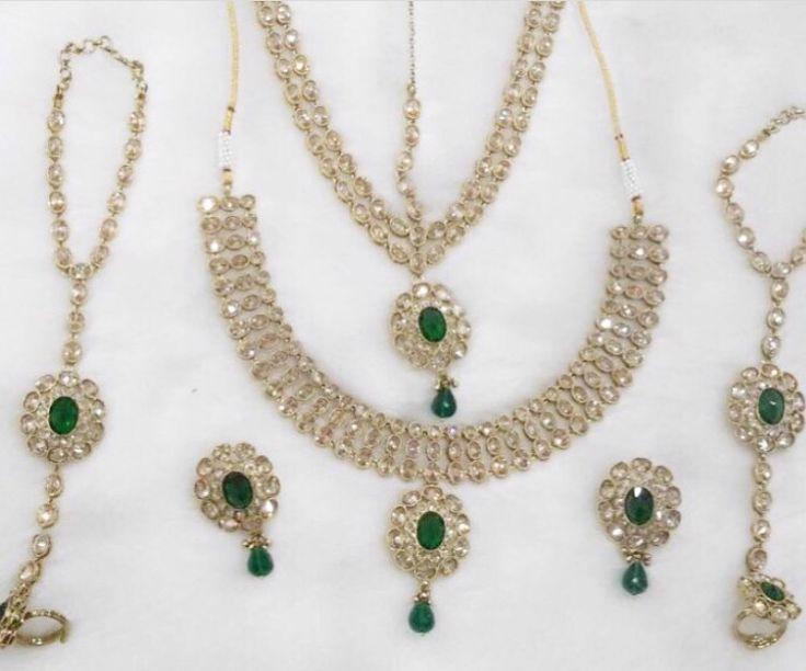 The Emerald Shagun Set available for purchase now! Email me or DM me for pricing.  www.SitarebyAasha.com sales@sitarebyaasha.com   #Jewelry #Jewellery #Indianwedding #Sikhwedding #Bridaljewelry #BridalJewellery #AsianBride #SitarebyAasha #PakistaniBride #Shaadi #Wedding #Bollywood #Bride #Bridal #WomensFashion #dubai #IndianBride #Indian #IndianFashion #Couture #Asianwedding #Accessories #Instadaily #Allthingsbridal #Instafashion #Instaglam #picoftheday