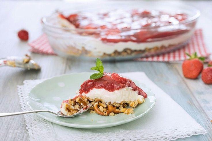 Erdbeer-Brezel-Dessert