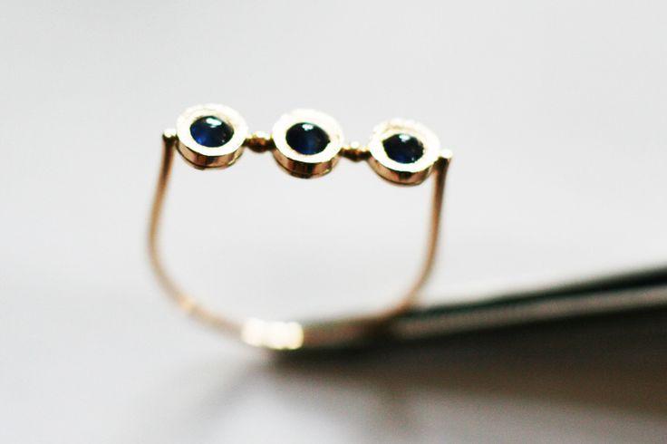Niebieskie szafiry-delikatny pierścionek złoty w Arpelc Biżuteria Ze Złota i Platyny na DaWanda.com