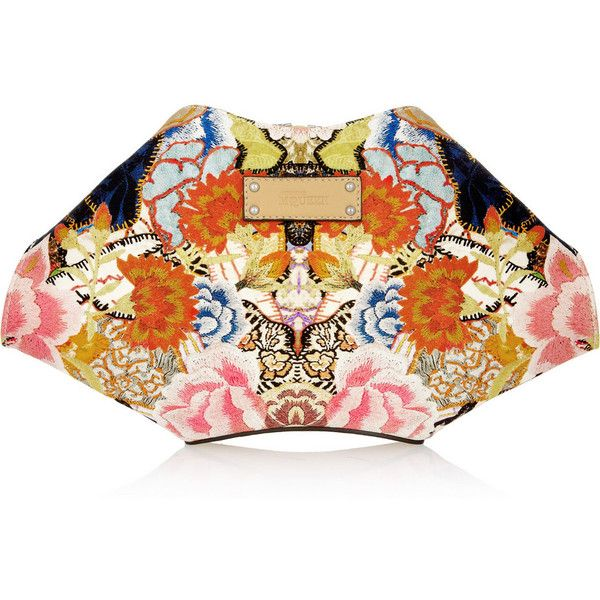 Alexander McQueen The De Manta printed satin clutch ($145) ❤ liked on Polyvore featuring bags, handbags, clutches, purses, alexander mcqueen, clutch bag, orange, fold-over clutches, multi color handbag and multi colored clutches
