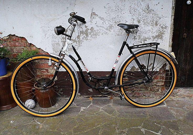 Vintage Fahrrad aus den 60ern - Damenrad von Schöne Dinge auf DaWanda.com #brocante #bicicletta #bicycle #oldtimer