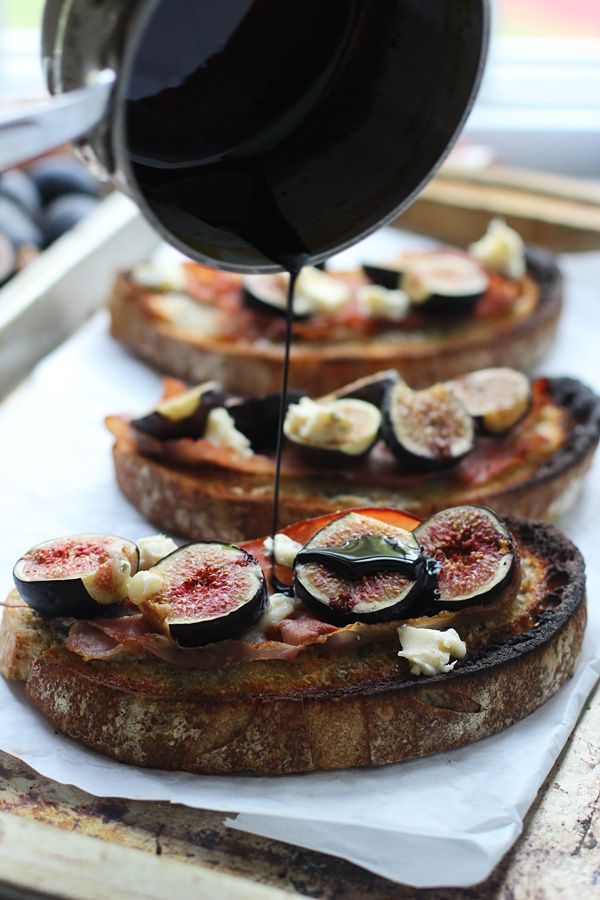 Roasted Fig, Blue Cheese and Proscuitto Tartines