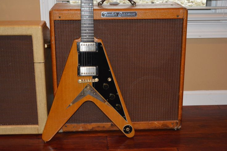 the iconic and modernistic 1983 gibson korina flying v with the legendary tweed 1959 fender. Black Bedroom Furniture Sets. Home Design Ideas
