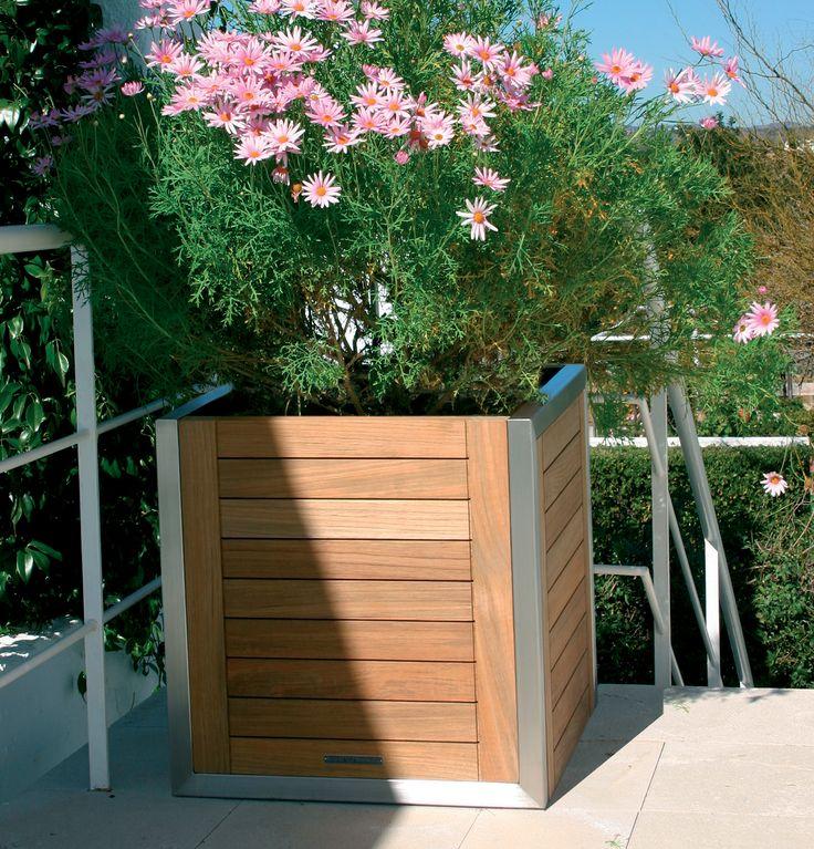 Ninix planter designed by Kris Van Puyvelde