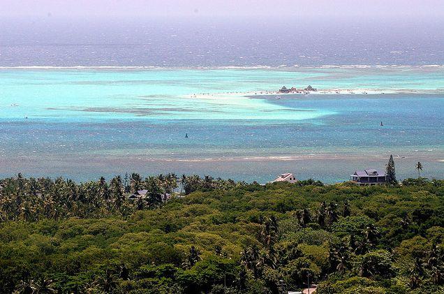 Mar de los Siete Colores, en el archipiélago de San Andrés, Providencia y Santa Catalina, Colombia.                      Las Islas son de ColombiaMar de los 7 Colores