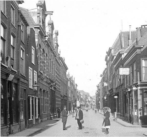 Zo mooi was de Haarlemmerstraat vroeger.