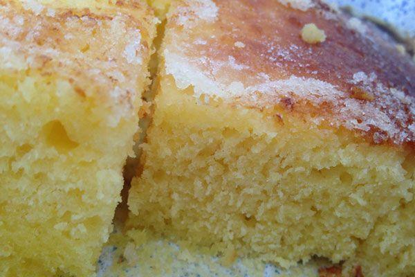 La meilleure recette de fougasse d'Aigues-Mortes que je connaisse : simplissime excellentissime. Un gâteau souple, tendre mieux qu'une brioche, avec son petit craquant beurre-sucre-fleur d'oranger...miam !