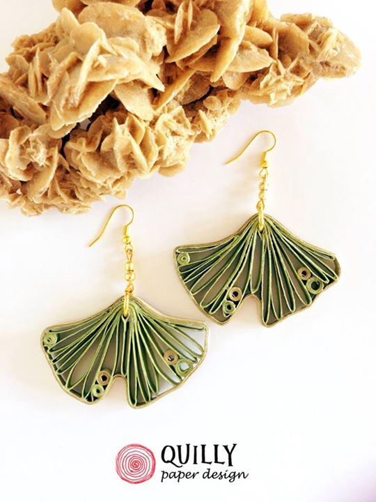 Paper earrings Flora_02 by quillypaperdesign. Quilled ginkgo leaf