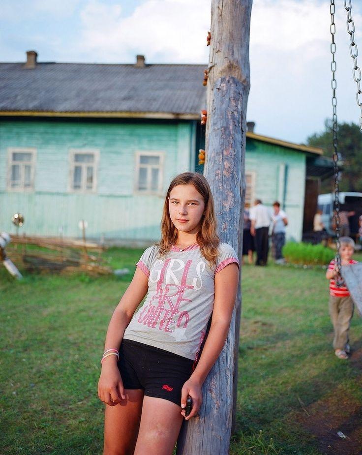 Foto's van Russische vrouwen die de lakens uitdelen op het platteland | VICE | Netherlands