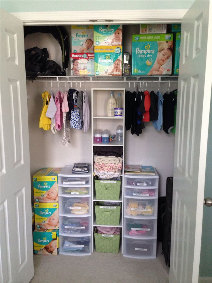 Twin nursery organization. These storage drawers are ideal! NEED A LABEL MACHINE