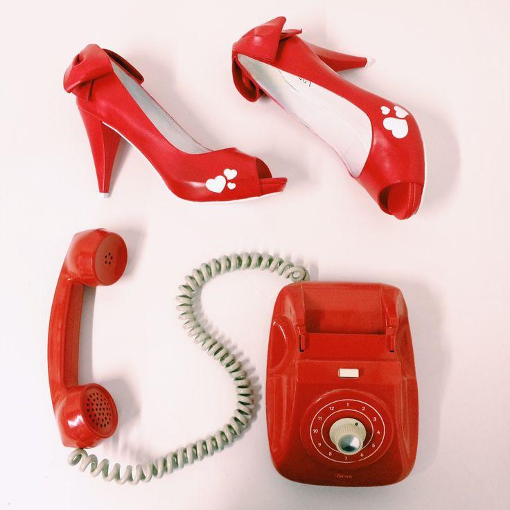 Wedding shoes ♥ Bride shoes ♥ Sapato de noiva ♥ #lapupa #bride #weddingshoes #shoes #handmade #handpainted #bride #vestidodenoiva #art #artshoes #brideshoes #weddingshoes #noiva #sapatodenoiva #wedding #inspiration #design #designshoes #bridal #bridalshoes #casamento #sapatos #sapato #pic #fotografia #photografy #savethedate #studio #studiolapupa #red #redtime #lovered #vermelho #redshoes www.lapupa.com.br