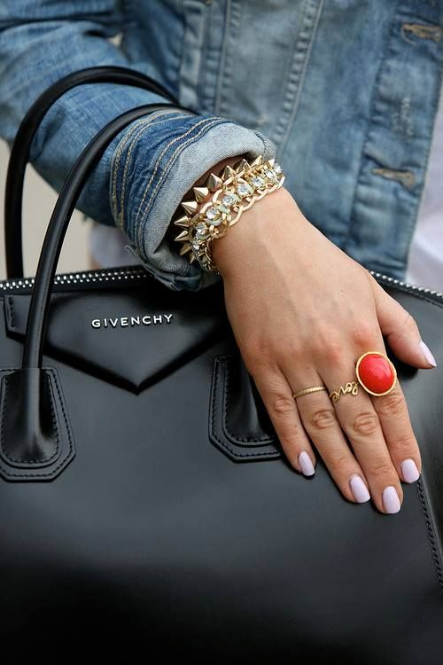 Givenchy the new bag of moment! Love the bag, the ring, the bracelets...just adore this look