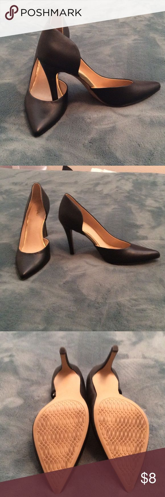 Ladies pumps Black pumps with gold trim. Lightly worn. Mossimo Supply Co Shoes Heels