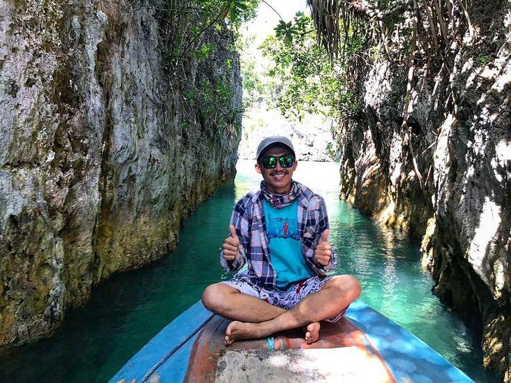 Pulau Bair memiliki daya tarik yang berbeda dari pulau-pulau kecil di sekitarnya yaitu memiliki dua teluk dengan air laut yang jernih  dan tenang.  Next Trip Kepulauan Kei, Maluku Tenggara.  20 – 24 September (5D4N) 27 – 30 Oktober 24 – 27 November 29 November – 3 Desember 22 – 25 Desember . . For details/reservation /private trip arrangement please mail to  tuk4ng.jalan@gmail.com    WA : 087808116852 / 085810697553 Line : @tukangjalan  IG : @tukang_jalan Twitter : @tukang_jalan…