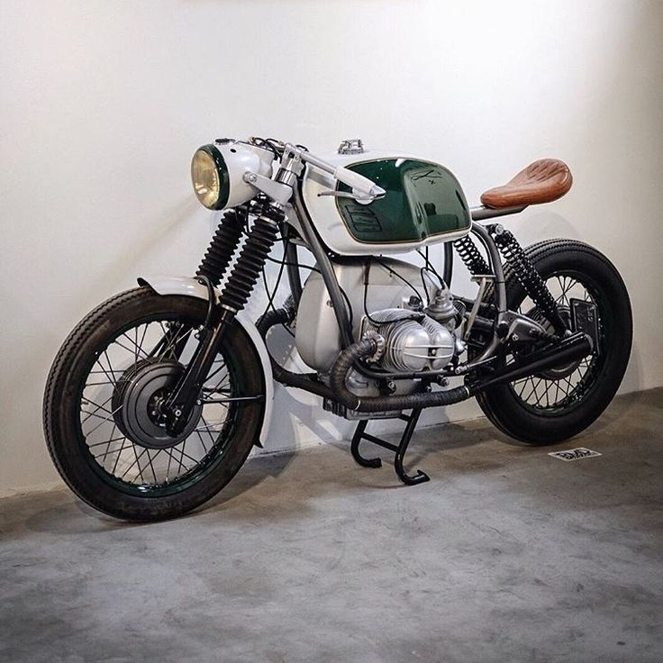 Spotted at the @ogmotoshow, @iamstanchen's 1972 BMW R75/5 'Lil' Doom 2.0' with progressive suspension, ...