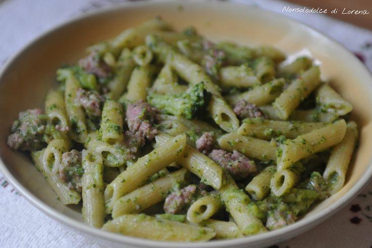 Pasta broccoli e salsiccia | Ecco un'idea semplice e gustosa per il pranzo!