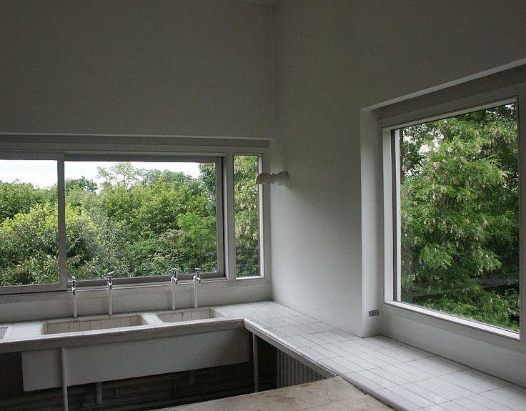 Villa Savoye, Poissy - Le Corbusier. Kitchen | ANTIGUAS COCINAS Y ...