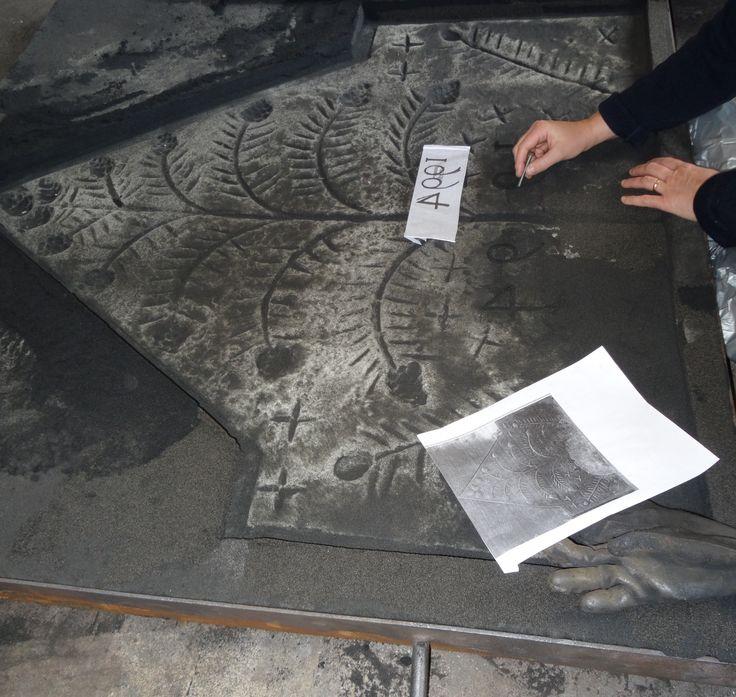 Moulage - Plaques en fonte - Fonderie LACOSTE - Dordogne - Création de plaque de cheminée - Réalisation à la demande