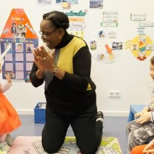 NLieu ouvert et stimulant, la crèche ''Findel'' fait partie du réseau 'Children's World'. Nous disposons de plus de 1.400 places dans nos 4 réseaux. Nous développons la socialisation et l'autonomie de l'enfant. Nos atouts sont le respect des rituels quotidiens et les repas. Quelques places disponibles. Cuisine saine et variée. #Enfants de 2 mois à 4 ans. #FINDEL