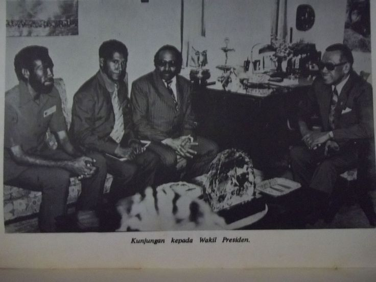 indonesian invasion in east timor in 1975 The democratic republic of east timor or timor leste is a country in southeast asia  (taken over) by the indonesian army in 1975 the invasion was very violent.