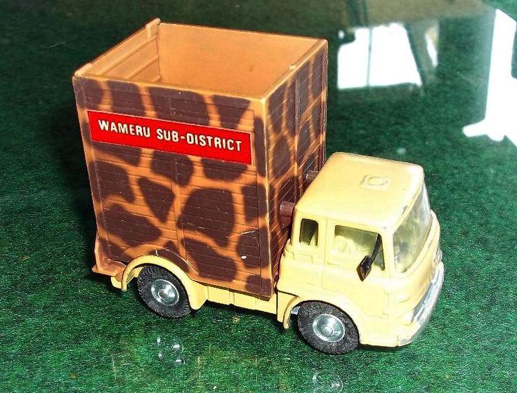 Corgi Toys Bedford Traktor Daktari Wameru Tiertransporter