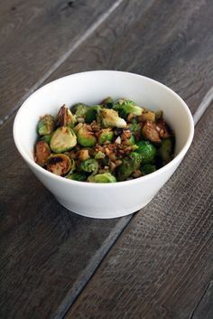 garlic-ginger-brussel-sprouts...LOVE BRUSSLE SPROUTS!