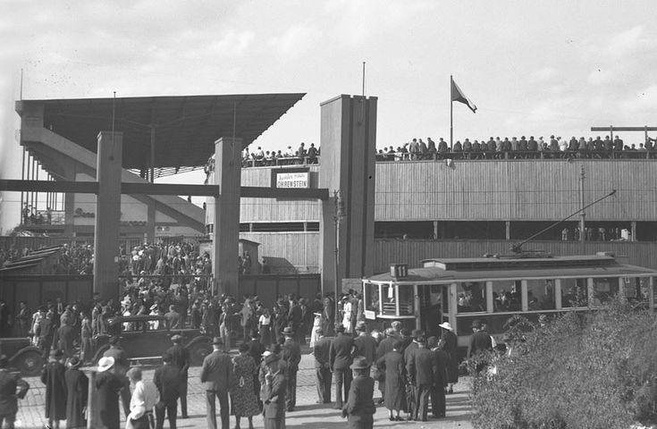 """Praha Neznámá on Twitter: """"Stadion pražské Sparty na Letné na konci třicátých let. Za foto děkujeme @RadekKlier https://t.co/Gg0buNGK0u"""""""